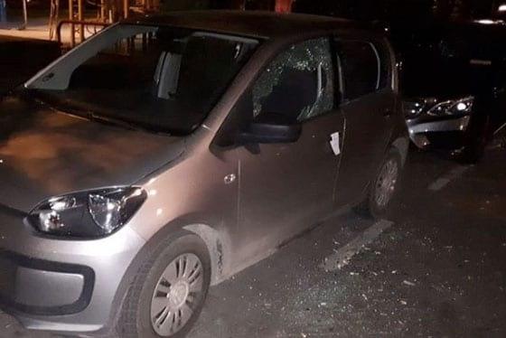 Vandalen slaan meerdere autoruiten aan diggelen in Utrechtse Rivierenwijk