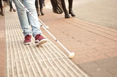 Oogvereniging roept op om afstand te houden van blinden en slechtzienden