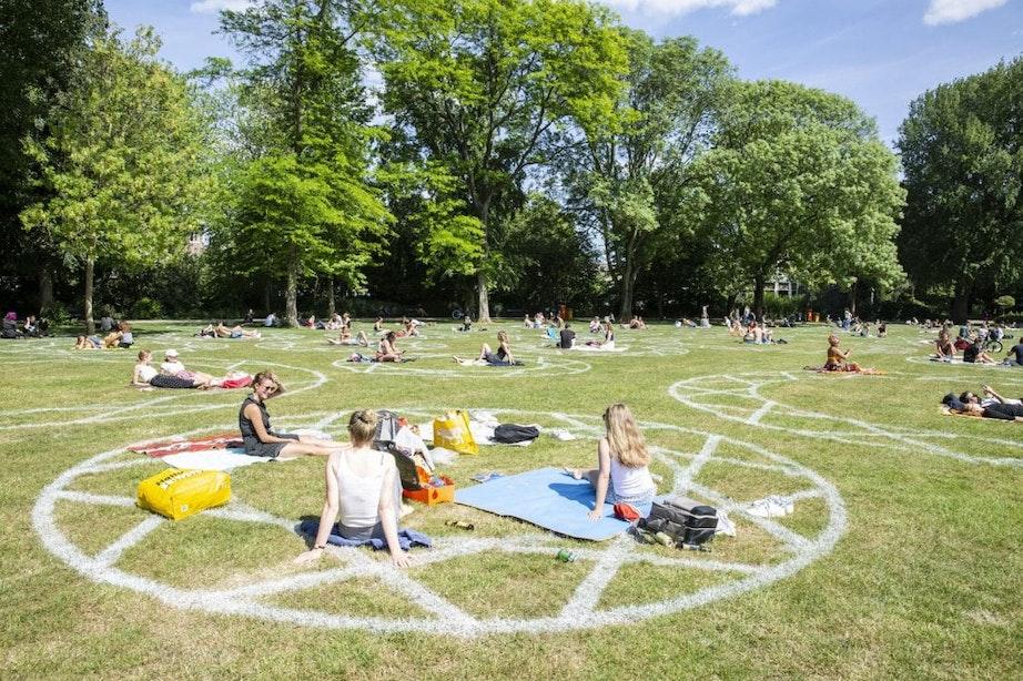 Utrecht breidt coronamaatregelen uit; Meer witte cirkels, camera's en looproutes in de stad