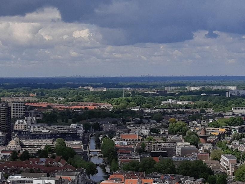 Glashelder weer: Amsterdam, Den Haag en Rotterdam te zien vanaf de Domtoren