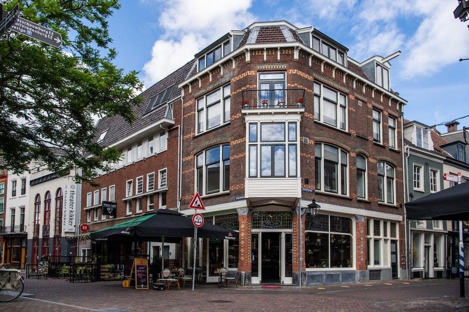 Drie jaar na sluiting Broodje Ploff is horecazaak Twintig geopend aan de Ganzenmarkt in Utrecht