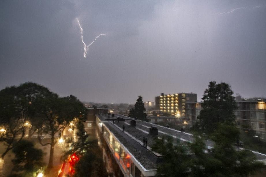 Code geel vanwege pittige onweersbuien boven Utrecht