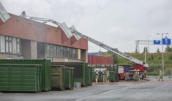 Brand in papierpers bij bedrijf aan Groenewoudsedijk