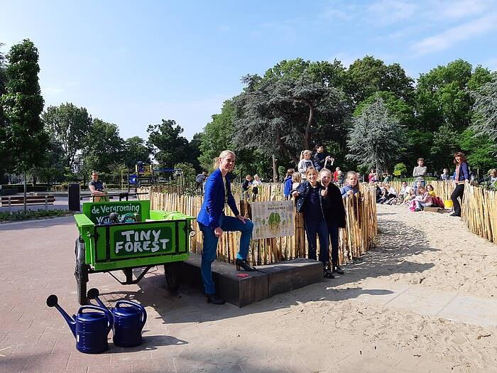 Vijfde tiny forest van Utrecht geopend in Majellapark