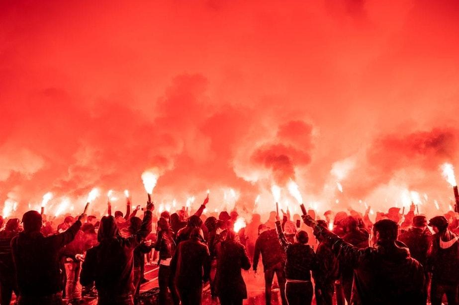 Honderden supporters komen samen voor verjaardag FC Utrecht