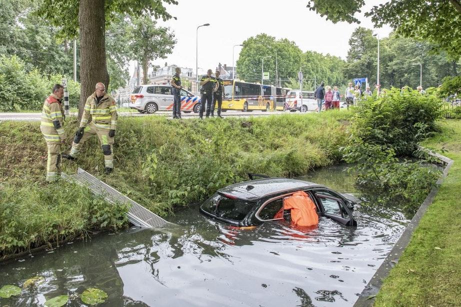 Gestolen auto rijdt de Biltsche Grift in; Politie start klopjacht op gevluchte bestuurder