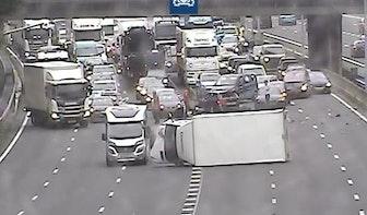 Veel vertraging op Utrechtse snelwegen na ongeluk A27