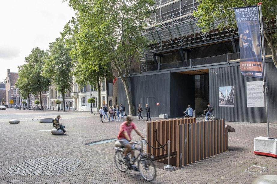 Nieuw straatmeubilair om Domplein veiliger te maken