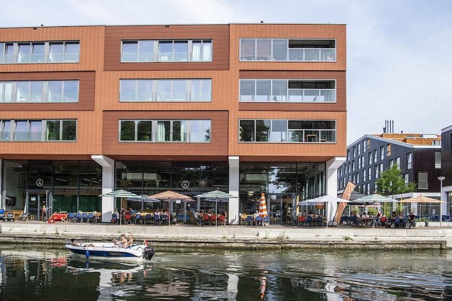 Stichting LON en Groen! zamelen kleding in bij Camping Ganspoort in Utrecht