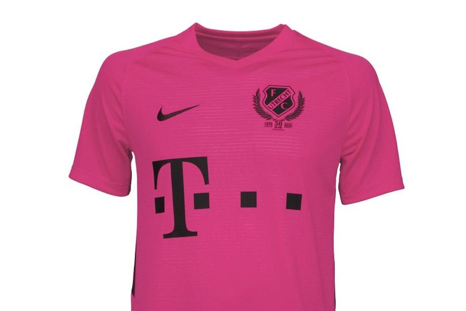 Dit is het derde tenue van FC Utrecht; 'Pink Power'