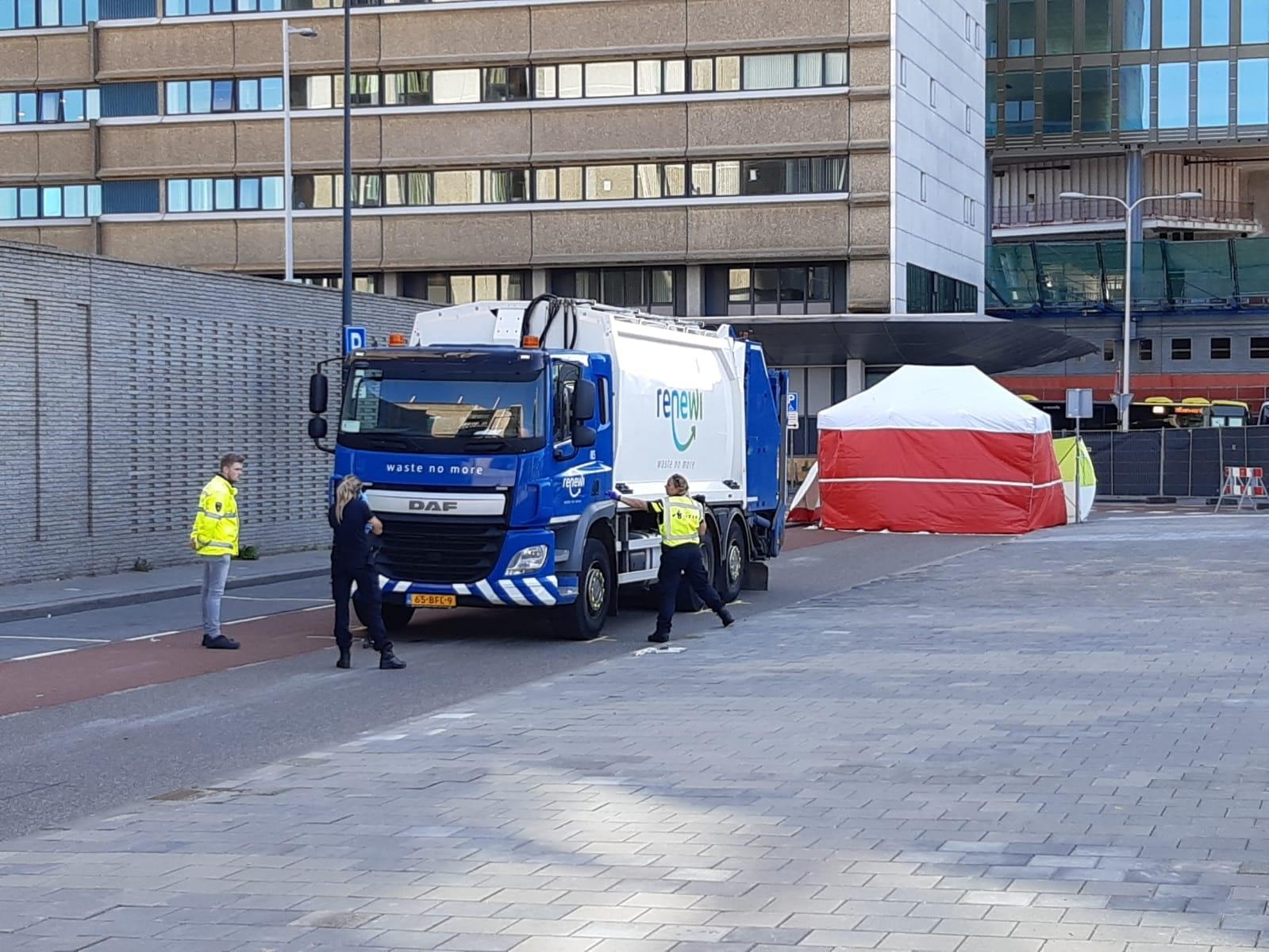 Vrouw overleden na ongeluk op Jaarbeursplein in Utrecht.