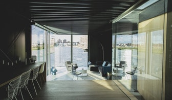 Prijs voor Utrechtse woonboot Courage: 'Superdeluxe villa' op het water