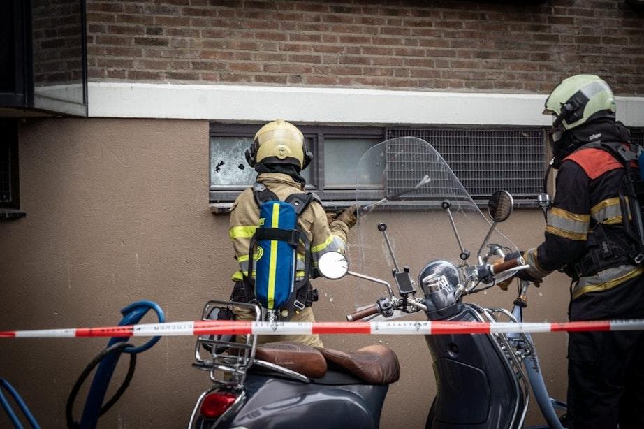 Brand in garagebox Zuilen; zes woningen ontruimd