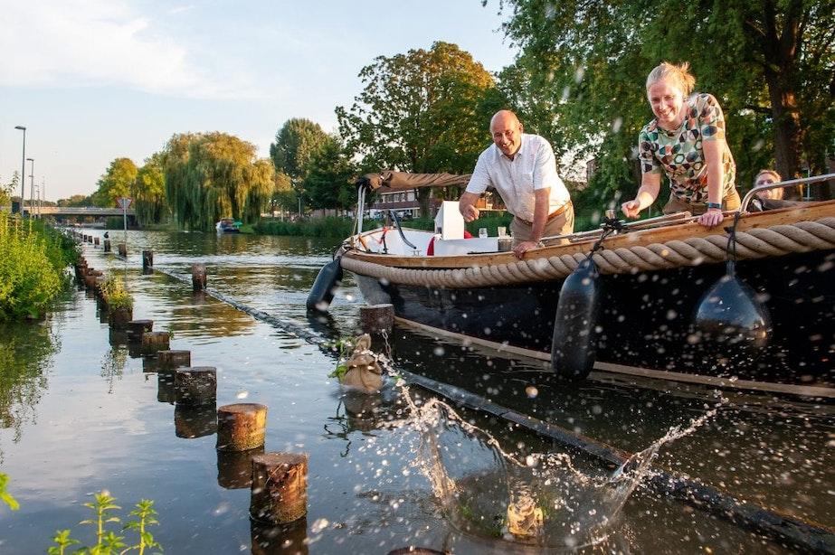 Nieuwe natuurvriendelijke oever langs de Vecht in Utrecht