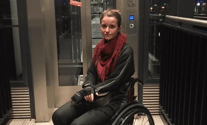 Problemen met de lift: rolstoelgebruikers moeten met de trap bij station Utrecht Terwijde