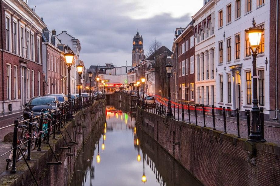 Utrecht onderzoekt manieren om hinder van ledverlichting in lantaarnpalen te verminderen