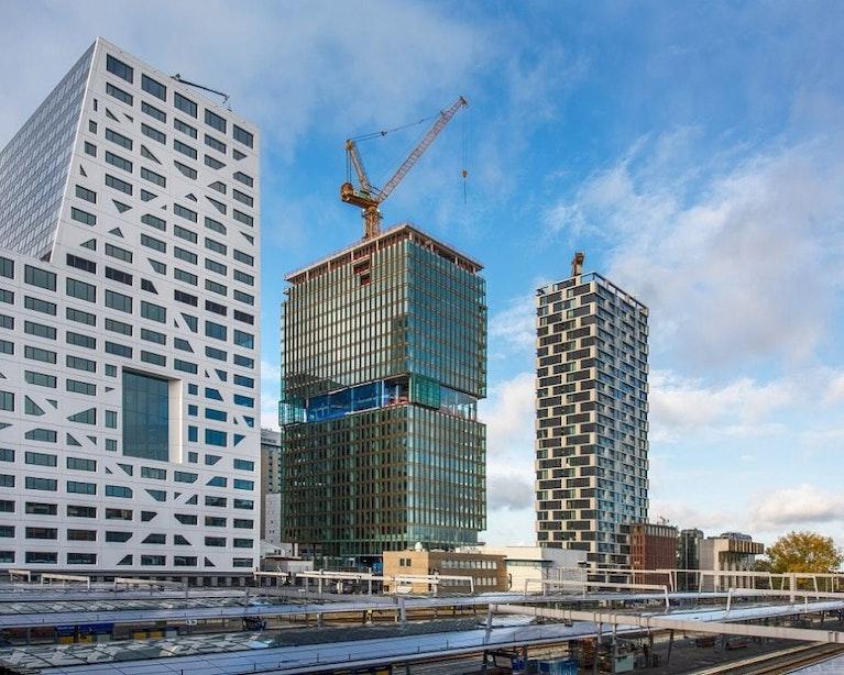 Utrechts kantoorgebouw Central Park bereikt met 90 meter hoogste punt