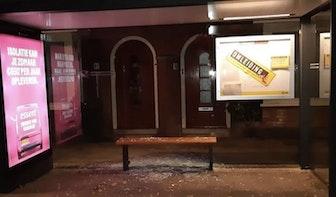 Tieners vernielen bushokjes aan Utrechtse Homeruslaan en leggen zelf het bewijs vast