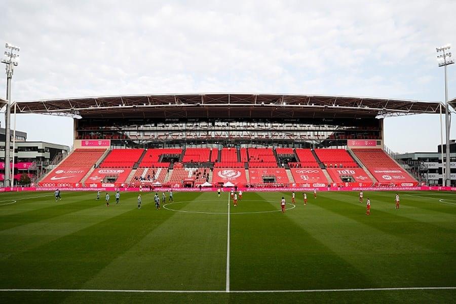FC Utrecht verliest met 0-3 van Ajax