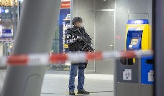 Utrecht Centraal ontruimd geweest vanwege verdachte situatie; Twee verdachten aangehouden
