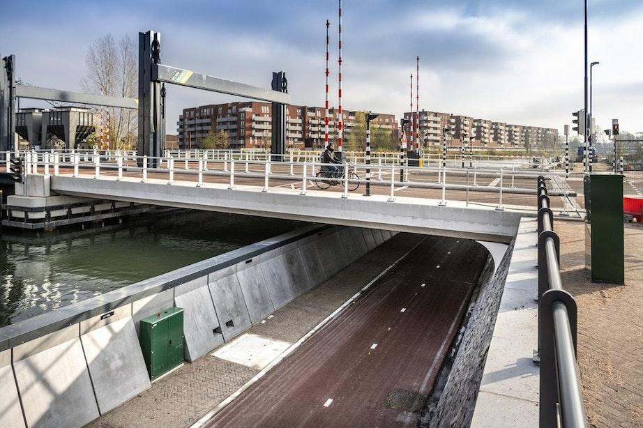 Nieuwe fietstunnel bij Kanaalweg in Utrecht gaat open