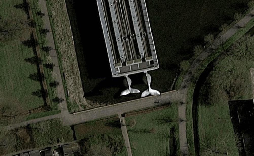 Kunstwerk van Utrechter Maarten Struijs gaat de wereld over: metro balanceert op walvis