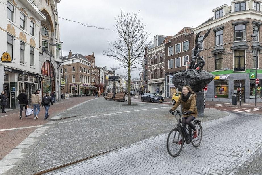Kruising Voorstraat met de Neude heeft een nieuw pleintje