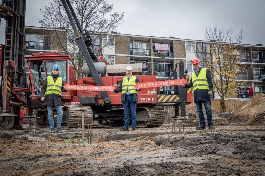 Bouw van 48 sociale huurwoningen op Dickensplaats in Oog in Al van start