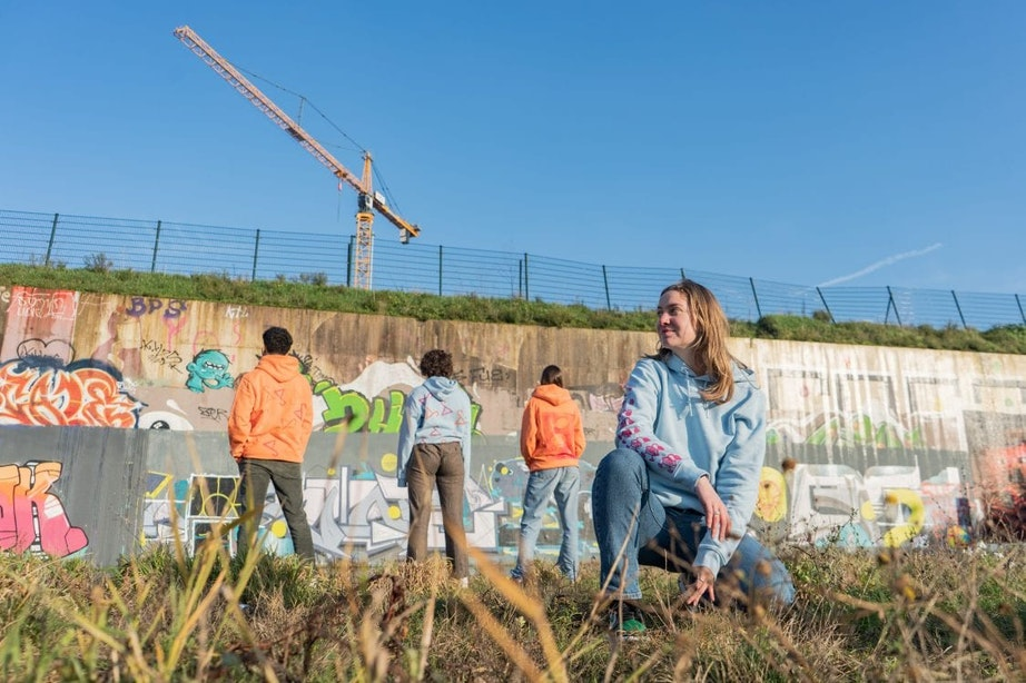 Jonge Utrechters debuteren met eigen liedjes en kledinglijn op De Vrijstaat