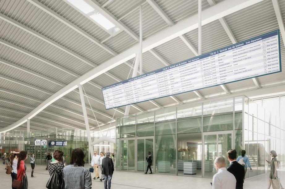 Binnenkort hangt er weer een groot digitaal informatiescherm op Utrecht Centraal