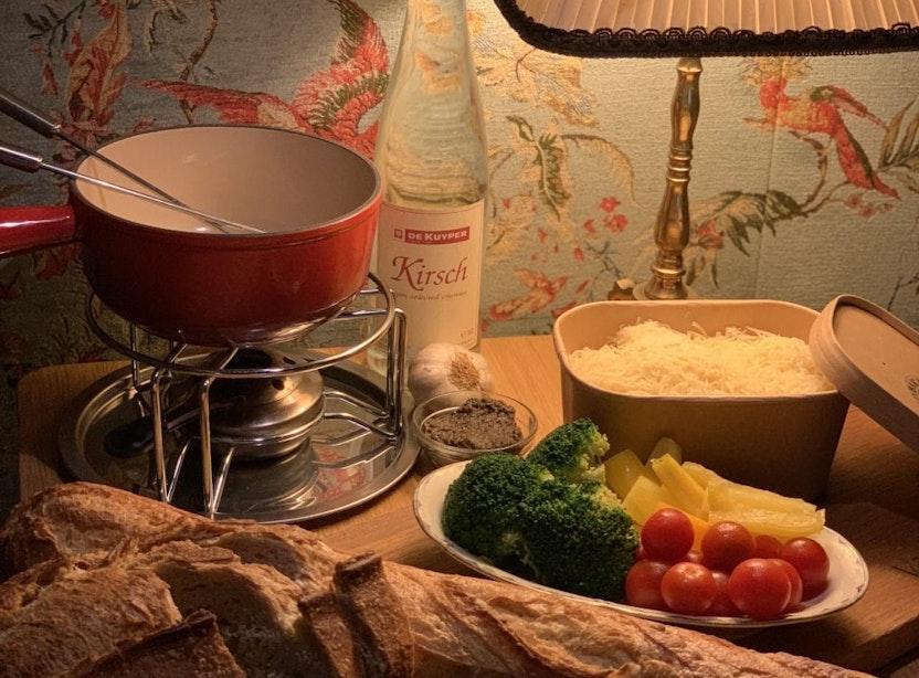 Vier de feestdagen met kaasfondue van Bakkerswinkel Utrecht