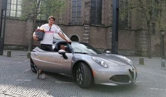 Utrechtse horecaondernemer wast auto's tijdens lockdown; 'Ik heb een liefde ontwikkeld voor het vak'