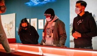 Dico en Amber lanceren nummer geïnspireerd op tentoonstelling De Ommuurde Stad