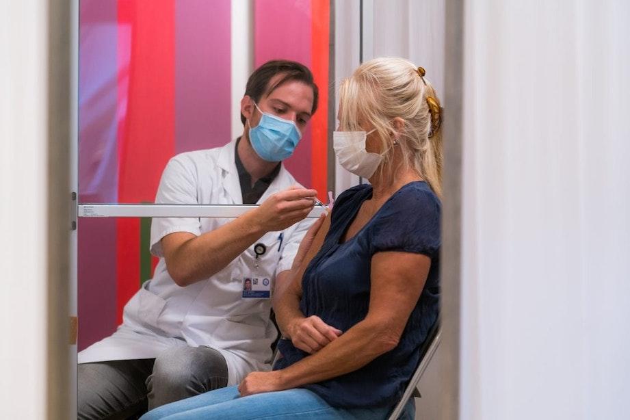 Utrechtse ziekenhuizen beginnen woensdag met vaccinatie zorgpersoneel