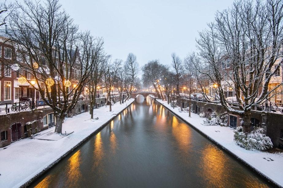Foto's: Utrecht ontwaakt onder laag sneeuw