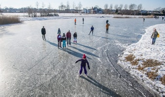 Foto's: honderden meters schaatsen in het Máximapark in Utrecht