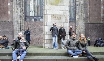 Honderden mensen luisteren naar Daft Punk vanaf de Utrechtse Domtoren