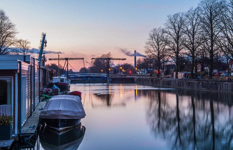 Utrechtse wijkagenten bemoeien zich met politiek en vragen om hekken bij de Muntsluis
