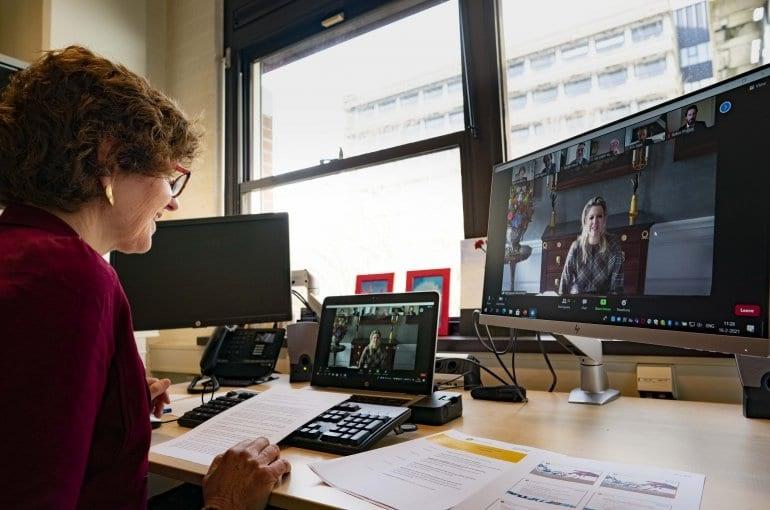 Koningin Máxima bracht digitaal werkbezoek aan de Universiteit Utrecht