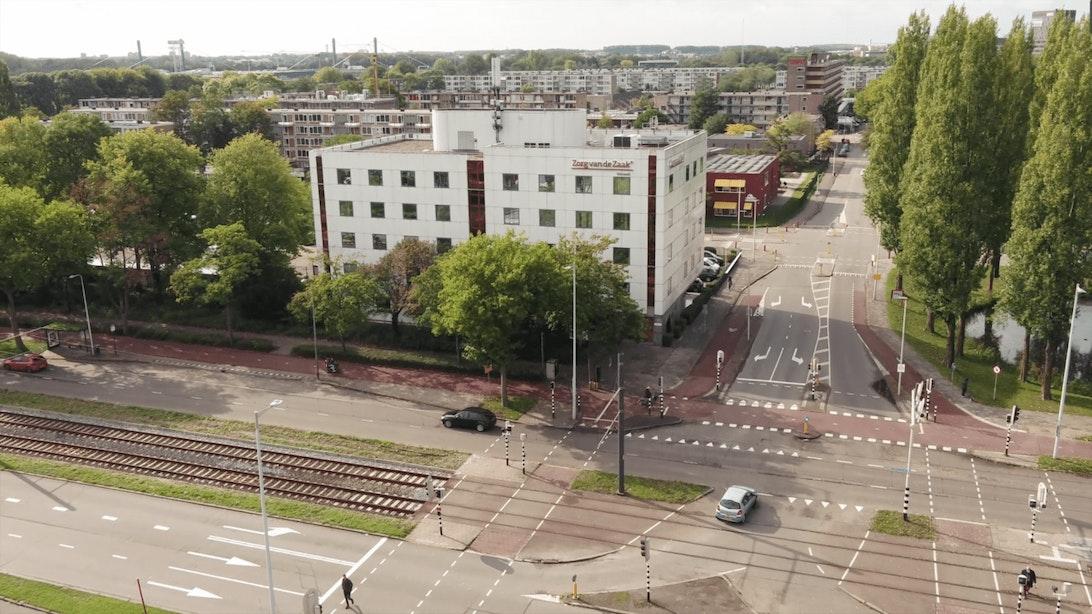 Pand Zorg van de Zaak aan de Beneluxlaan gaat plaatsmaken voor appartementencomplex