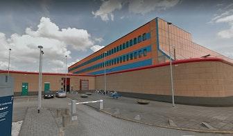 'Utrechtse tramschutter Gökmen T. steekt bewaarder van Rotterdamse gevangenis in gezicht en nek'