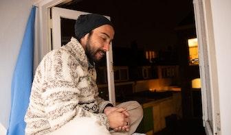 Met een kakofonie van pannengeluiden steunen buurtbewoners Utrechter Jorge