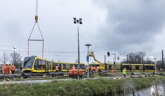 Bergingswerkzaamheden gecrashte tram Uithoflijn in volle gang