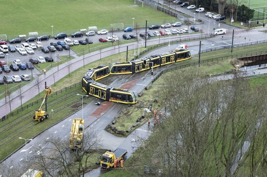Ontspoorde tram Utrecht is mogelijk total loss, schuld ligt bij de autobestuurder