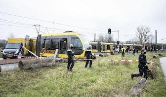 Tram Uithoflijn ontspoord op Laan van Maarschalkerweerd; geen gewonden