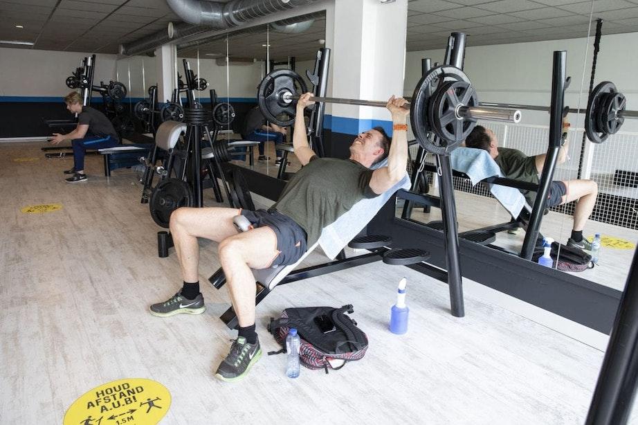 Utrechtse sportschool Newstyle weer open: 'Mensen zijn blij dat ze elkaar weer kunnen zien'