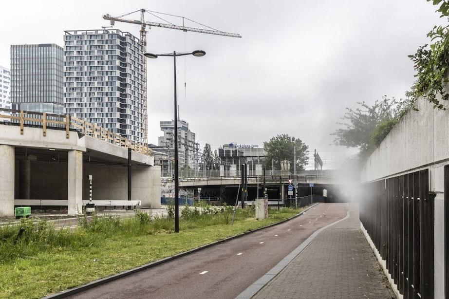 Brandweer rukt uit voor stoomlekkage in parkeergarage aan Leidseveer in Utrecht