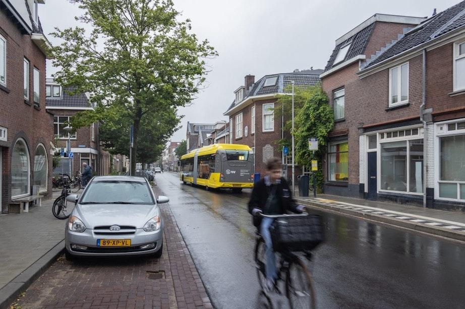 Nieuw onderzoek naar verkeersveiligheid van onlangs vernieuwde Oudwijkerdwarsstraat