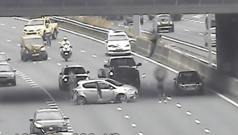 A27 vanaf knooppunt Lunetten dicht door ongeluk met meerdere auto's.