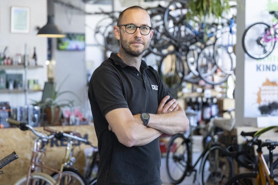 Op bezoek bij fietsenwinkel FREEM: 'Fietsen en je kop leegmaken, dat doe ik al heel lang'